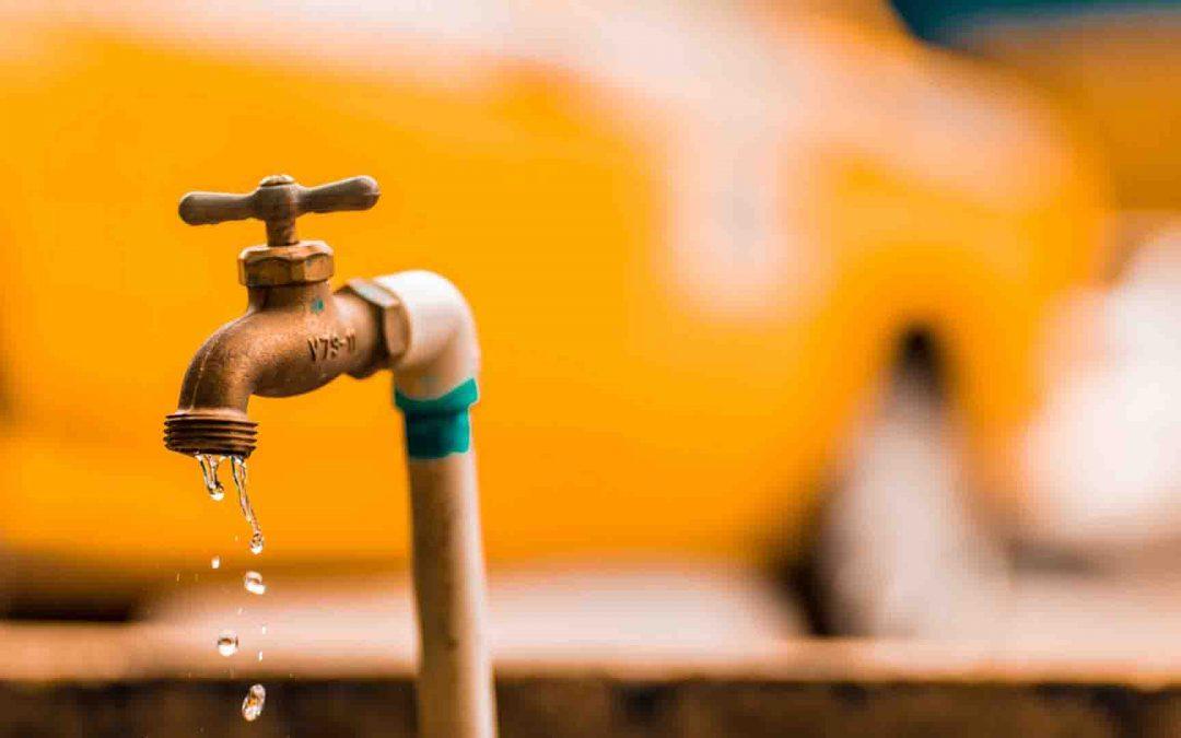 DQ Cabang Gresik Salurkan Air Bersih