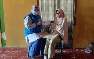Penyaluran Bantuan Pengobatan Kaki untuk Guru TK di Mojokerto