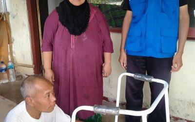 DQ Mojokerto Salurkan Alat Bantu Berjalan untuk Disabilitas